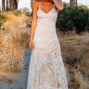 Dresses - Size 14 wedding dress